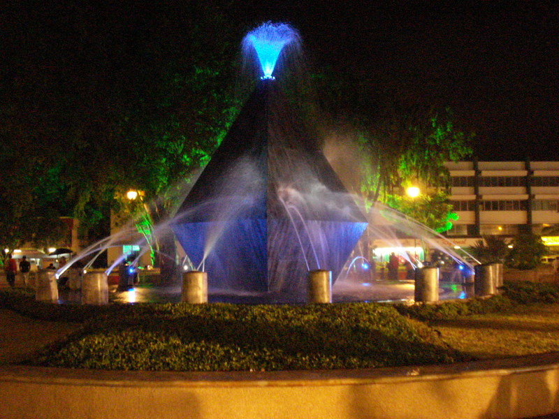 Parque Cervantes de noche