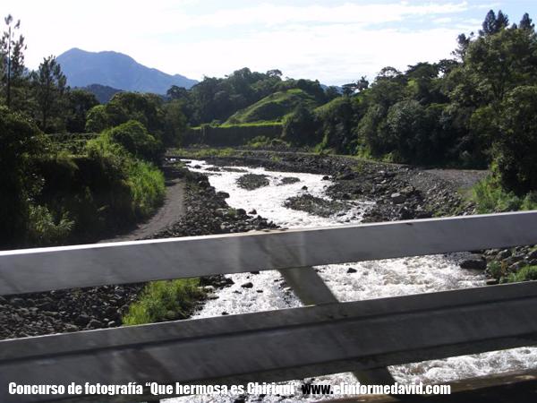 Puente del Río Chiriquí, camino de Volcán-Río Sereno